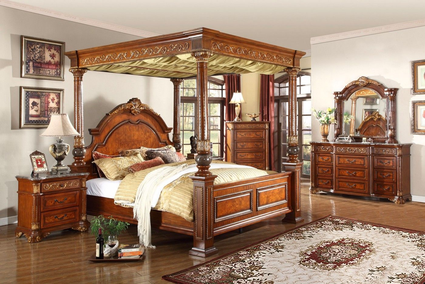 Kamella Traditional Cherry Poster Canopy Bedroom Set w
