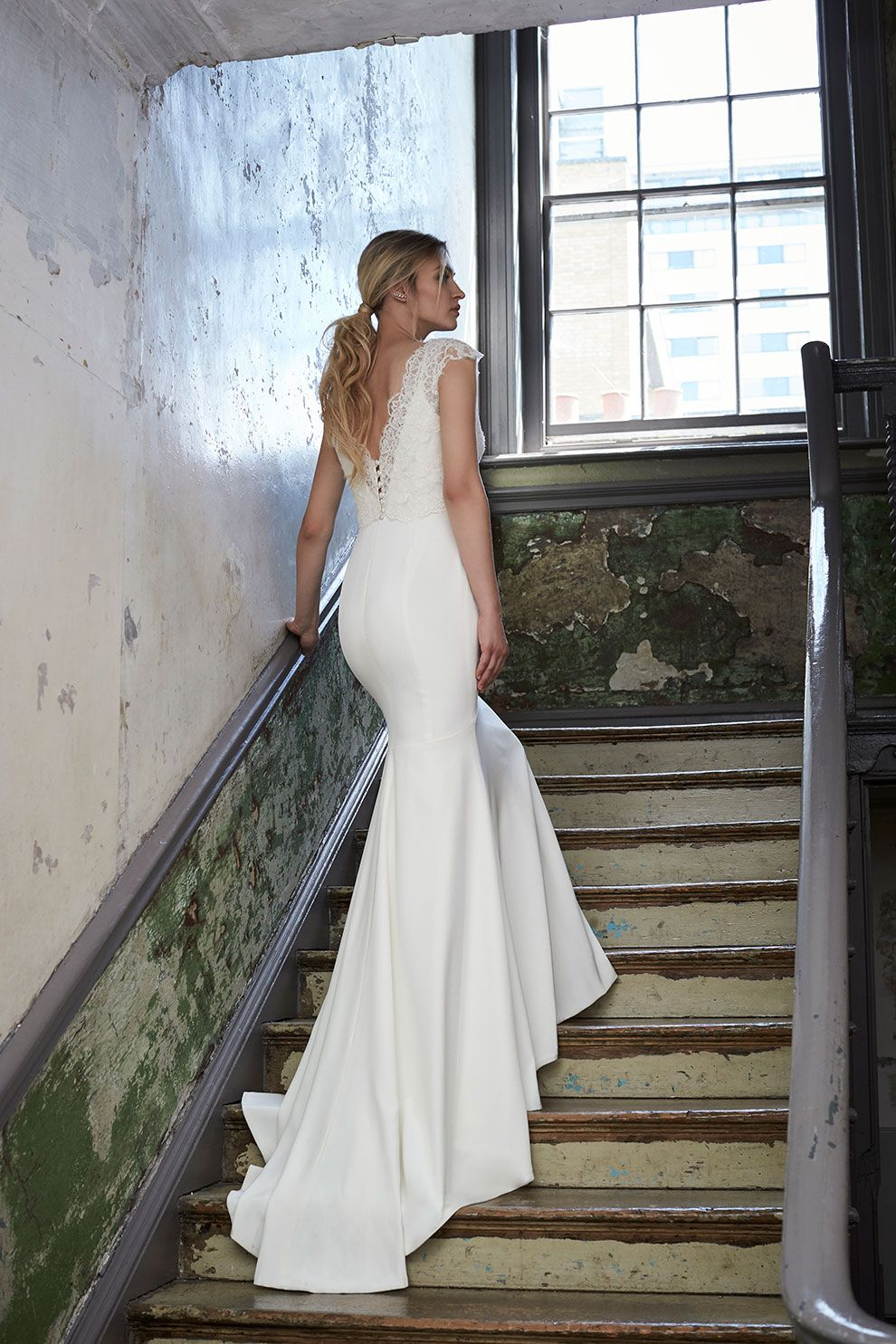 Si Holford Tamara Is A Figure Hugging Fishtail Gown Featuring Dramatic Extra Long Train And Delicate Spaghetti Straps Pictured With The Dana Lace
