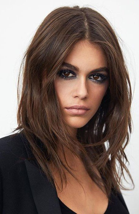 28 Best Medium Length Hairstyles & Haircuts for Wo