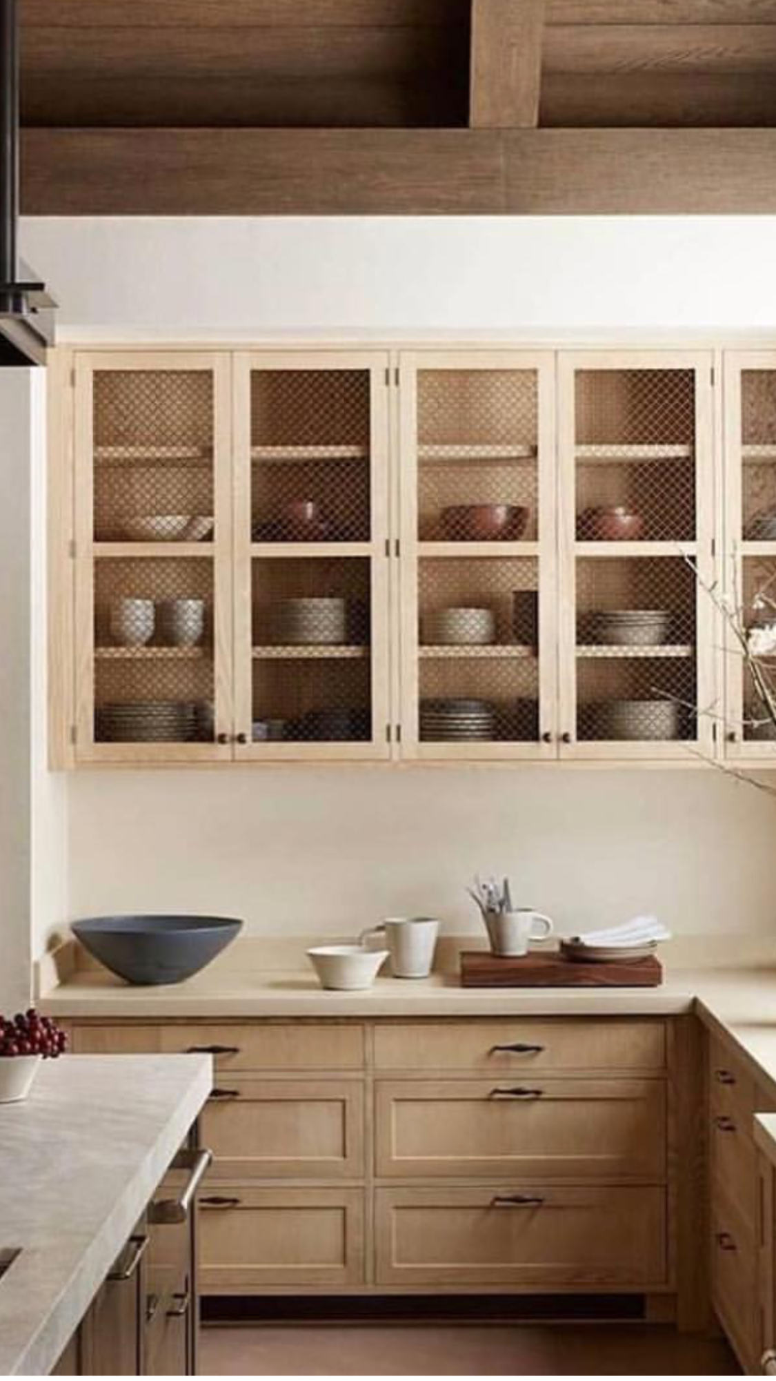 If Cabinets Had Gl Keep Shelves Cleaner Very Warm Natural And Minimal At The Same Time
