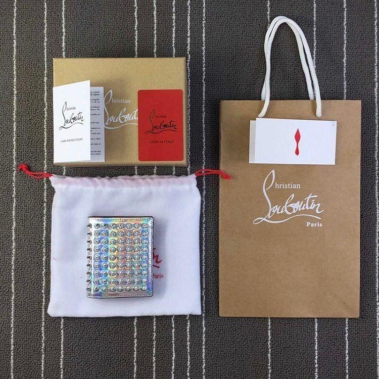 Christian Louboutin Wallet Sipariş Üzerine !!! ○ Luxury Personal Shipping Service. ○ Contact