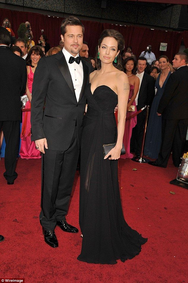 Brad Pitt And Angelina Jolie Best Red Carpet Looks Red Carpet Oscars Hollywood Glamour Angelina Jolie