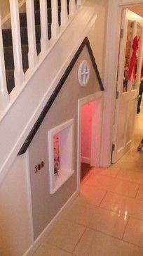 Charmant Espace De Jeux Pour Les Enfants Sous L Escalier Salle