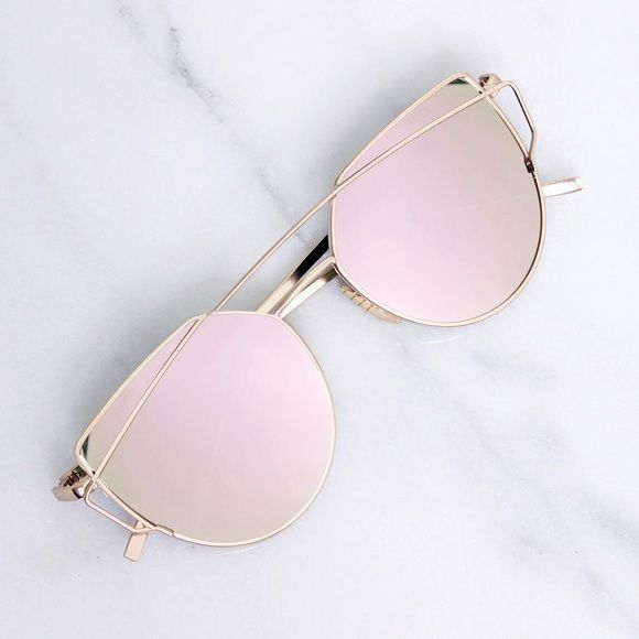 b930a1f263 Pin by Maddy Lanning on accessorize. in 2019 | Sunglasses, Pink ...