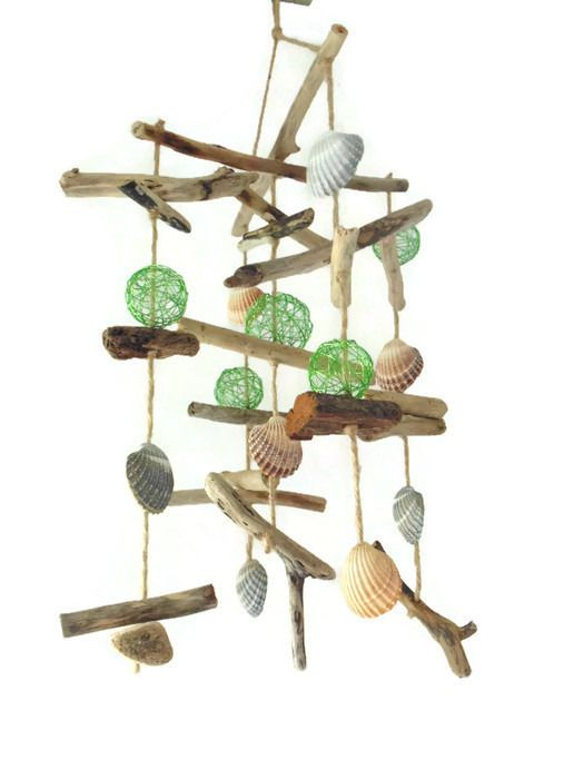 mobile suspension d co en bois flott coquillages et boules d corations murales par un. Black Bedroom Furniture Sets. Home Design Ideas