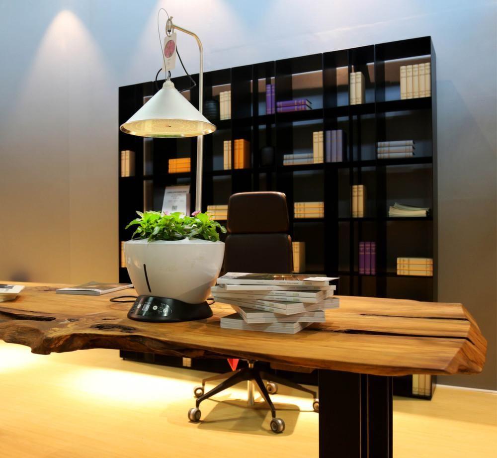jardini re avec lampe led int gr e le potager id es d. Black Bedroom Furniture Sets. Home Design Ideas