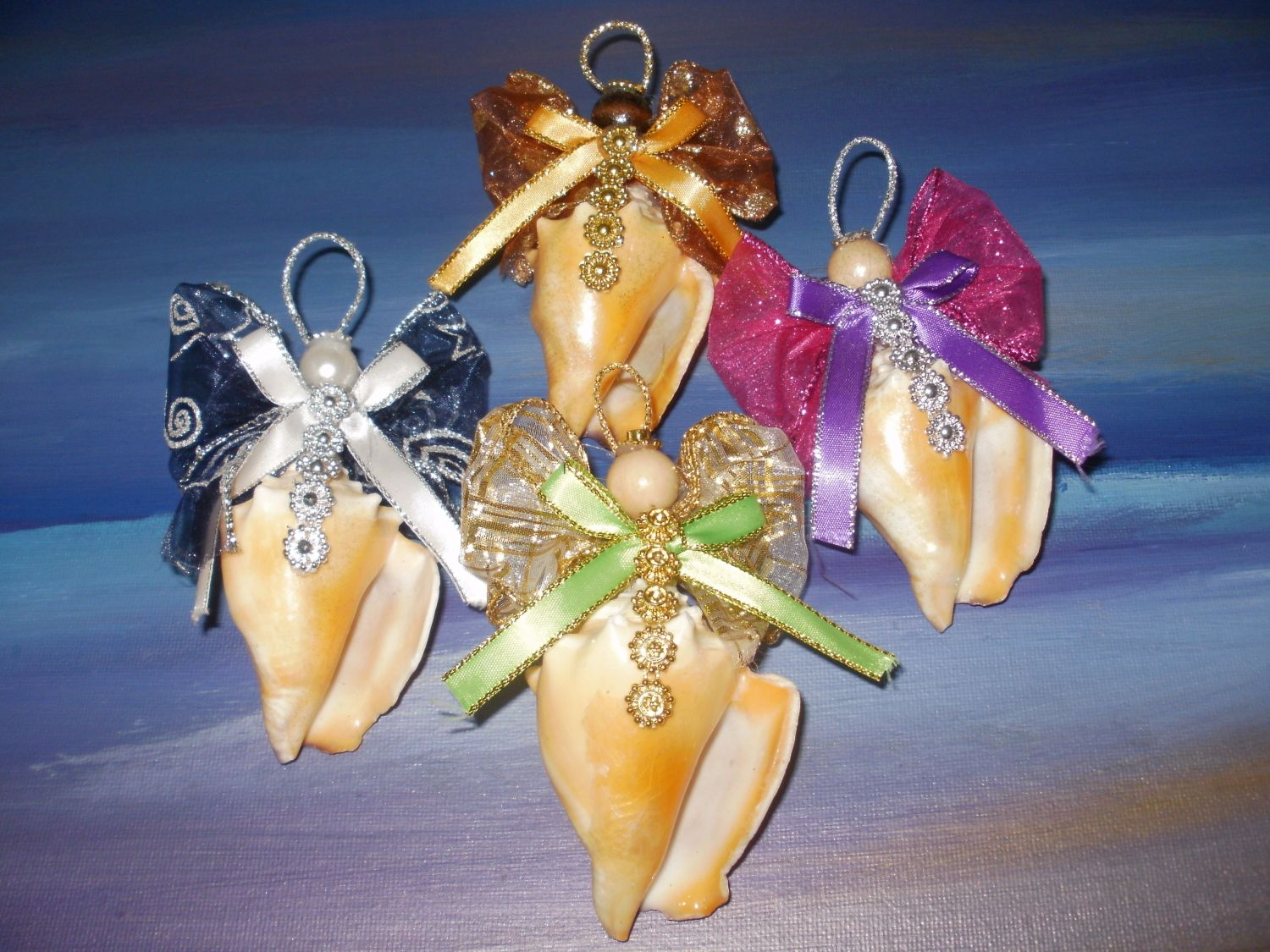 Seashell crafts for adults ornament fighting conch for Christmas ornament craft ideas adults
