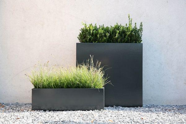 Deko garten modern  garten landschaft pflanzkübel grau ziergräser deko | Garten ...