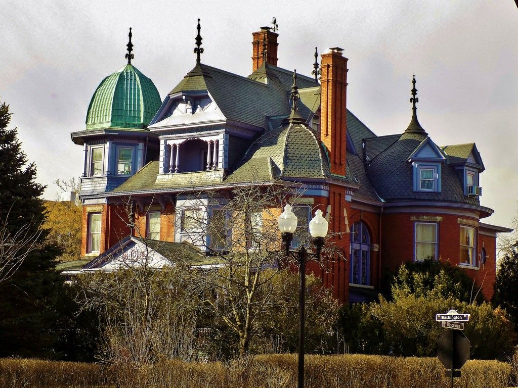 Pin By Ger Guer Her On Different Places Unusual Homes Beautiful Buildings Victorian Homes