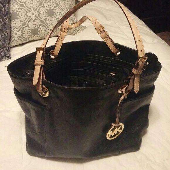 Michael kors black leather purse | Michael kors black, Leather ...