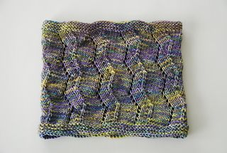 Welcome to my world! Sha-ZAM is an easy to knit cowl with ...