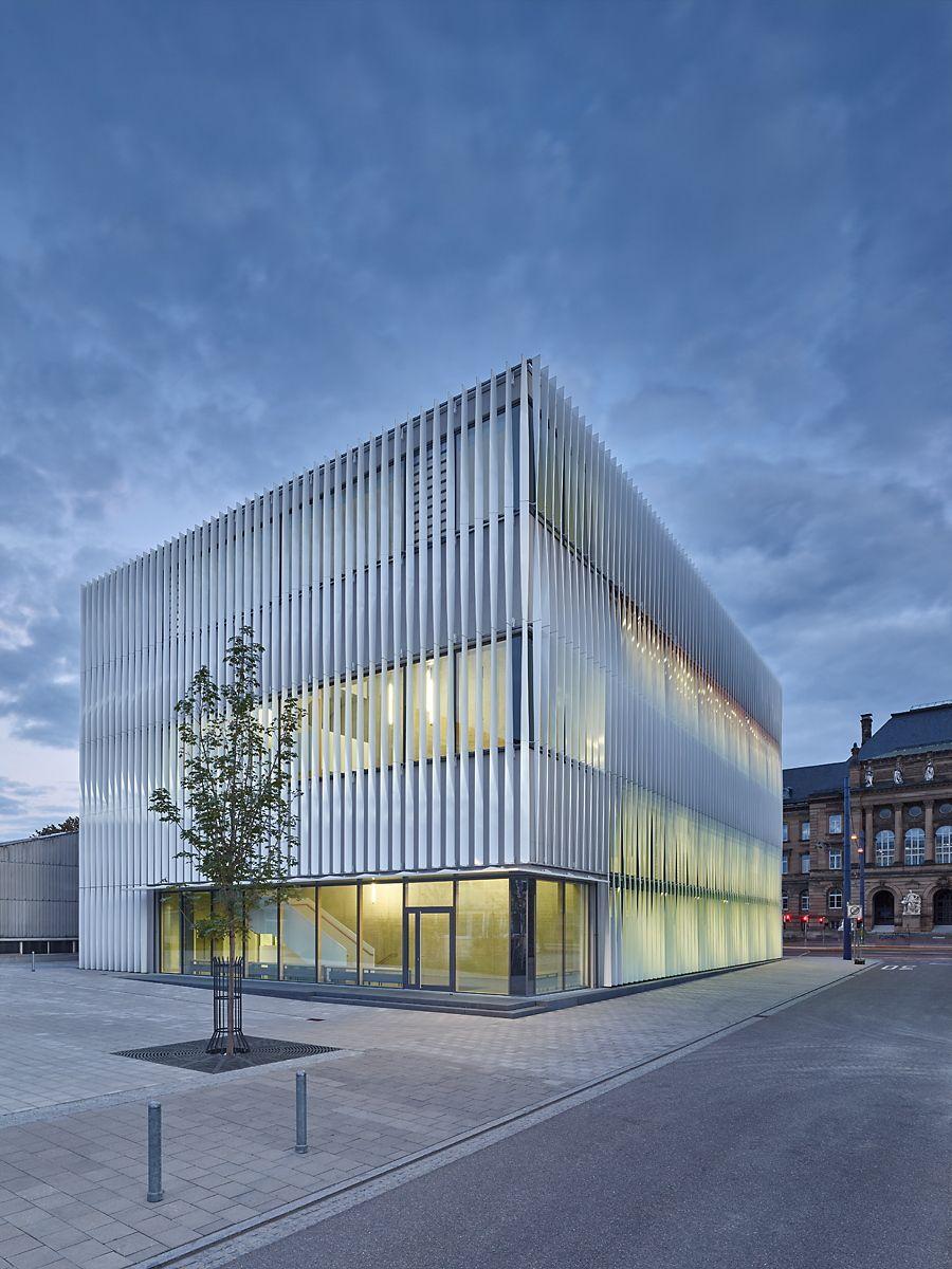 Vorhang auf sporthalle in ulm industry architektur for Studium der architektur