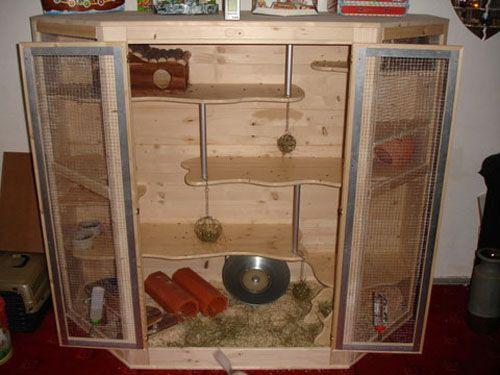 Good design for a ferret cage foreign language website though hamster k fig pinterest k fig - Kaninchenstall einrichten ...