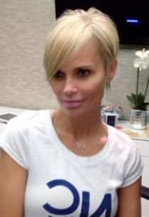 PHOTO: Check Out Kristin Chenoweth's Cute New Pixie Cut