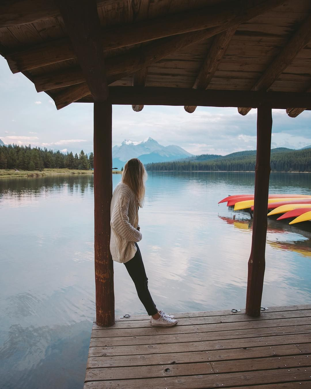 @andreadabene had Maligne Lake all to ourselves last night. Glad we skipped dinner and came here.. #stayandwander