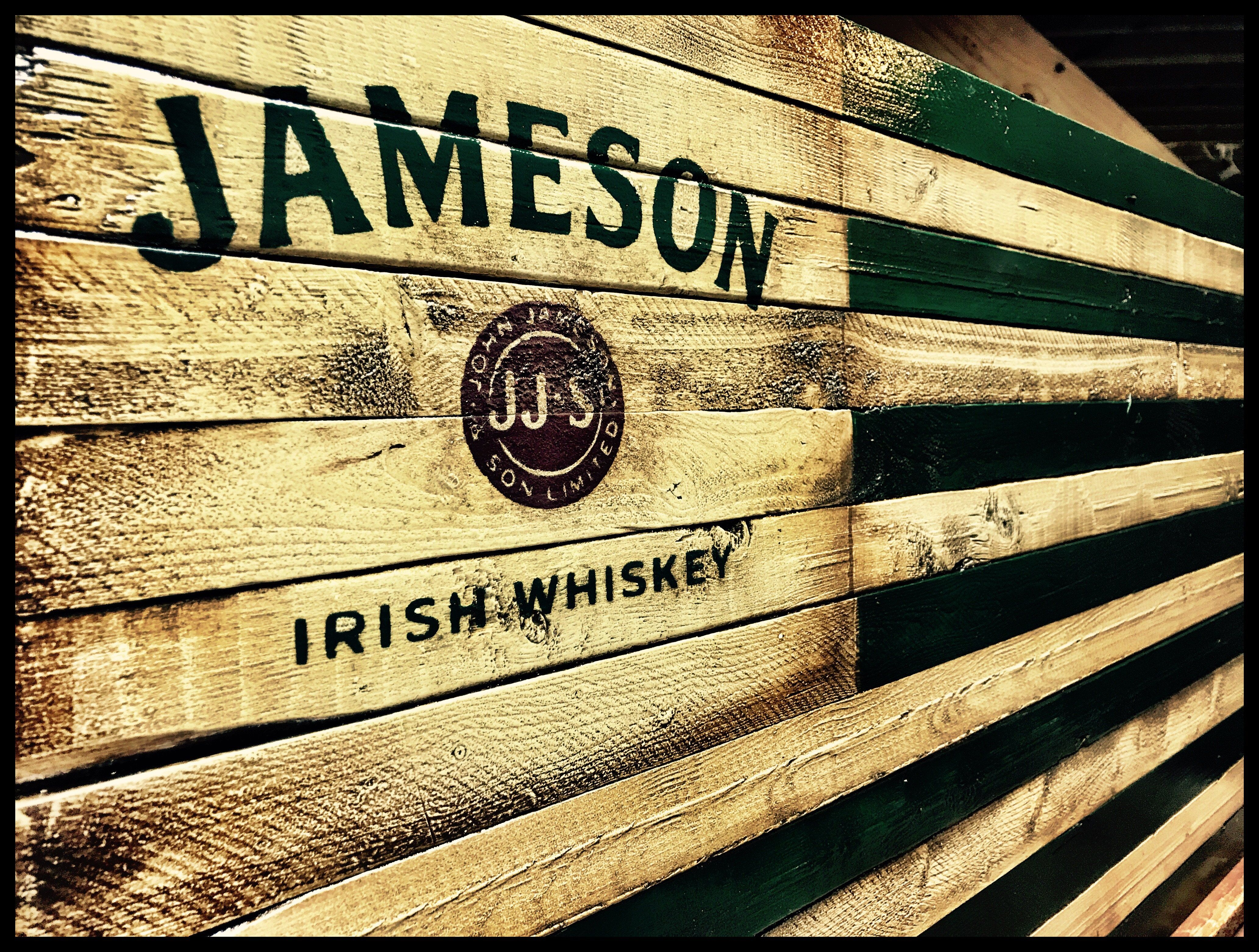 Jameson Irish Whiskey Rustic Flag   Jameson irish whiskey, Irish ...