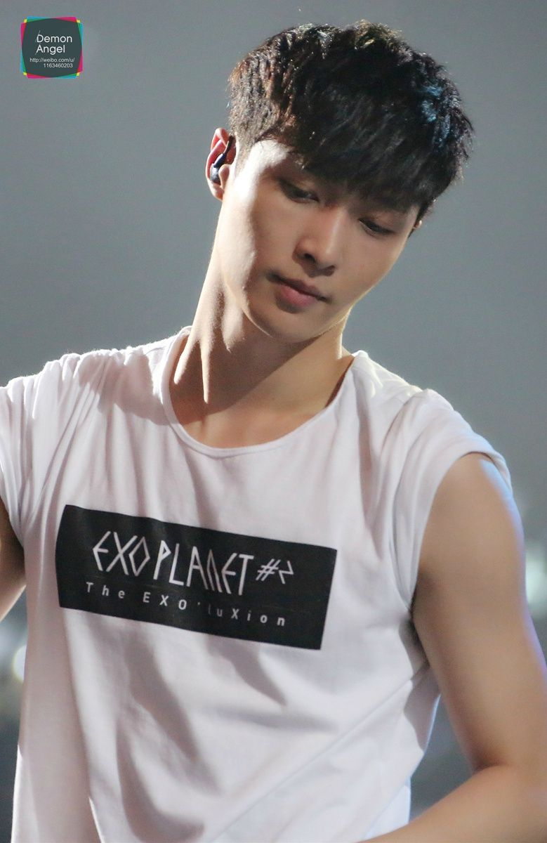 Lay 150530 Exo The Exoplanet 2 The Exo Luxion In Shanghai Credit Demon Exo Lay Exo Exo Luxion