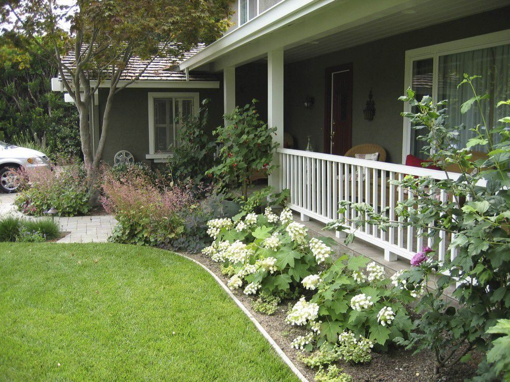 Delightful Country Front Yard Landscaping Ideas Part - 11: Front Yard Ranch Style House With Hydrangeas : Outdoor Landscaping Ideas  For Ranch Style House