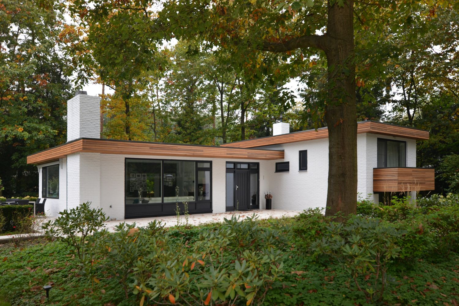 Facelift bungalow knegsel studio slotboom facelift for Moderne bungalow architectuur