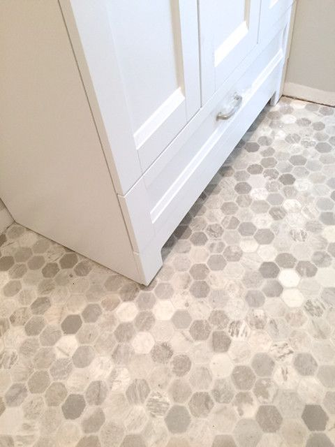 Getting a hex tile look with vinyl flooring ideas for Tile linoleum bathroom