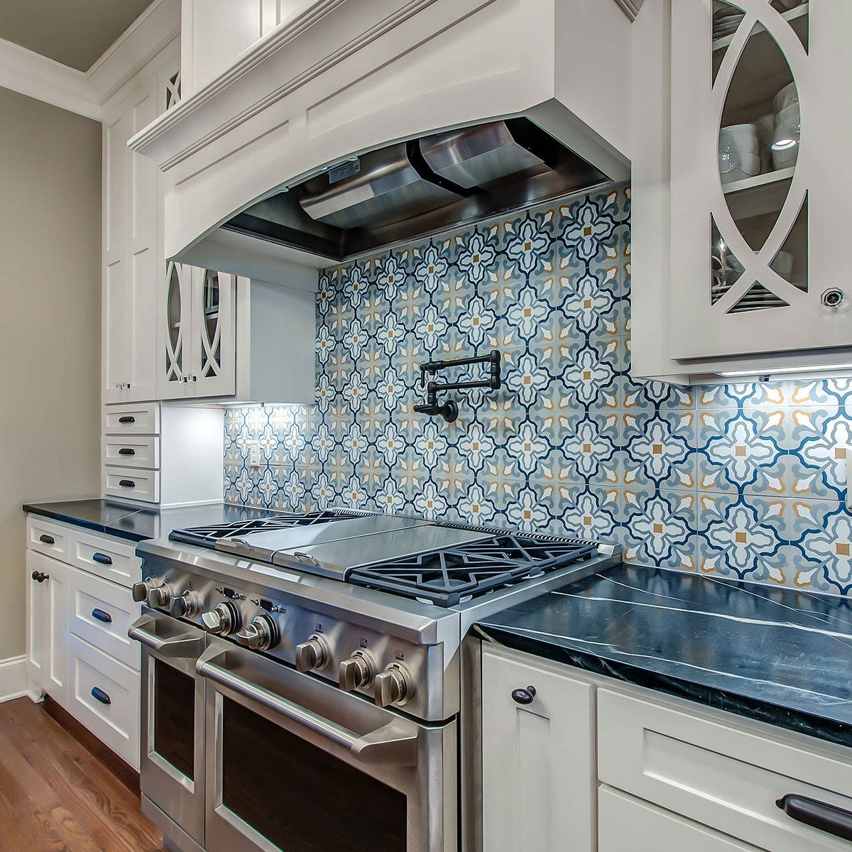75 Blue Backsplash Ideas Navy Aqua Royal Or Coastal Blue Design Blue Backsplash Blue Kitchen Tiles White Tile Backsplash
