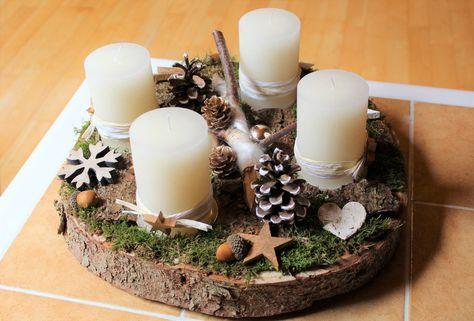 Adventskranz - Adventskranz Holz Holzscheibe weiß beige kupfer - ein Designerstück von CharLen-Dorit bei DaWanda #adventskranzaufbaumscheibe