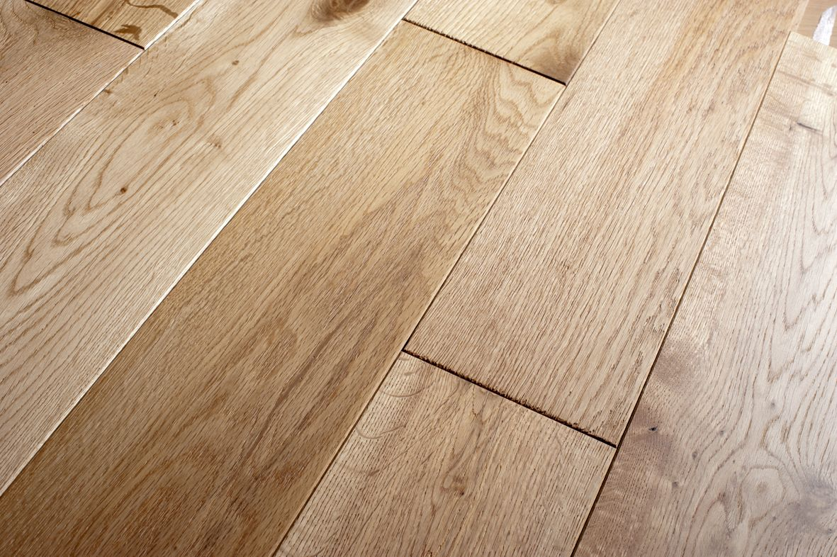 Flooring 120mm Solid Oak Plank Brushed & Oiled