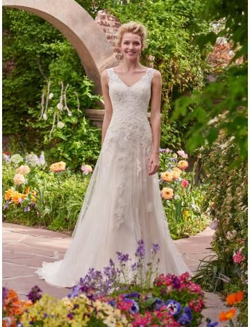 984f40d37bd8 V-ausschnitt Traumhafte Romantische Brautkleider aus Tüll mit Applikation