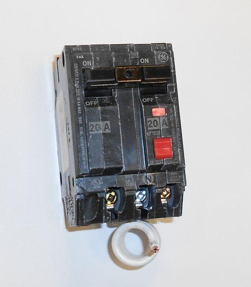 Ge Thql2120gft 20a 120 240v Self Testing 2 Pole Gfci Plug In