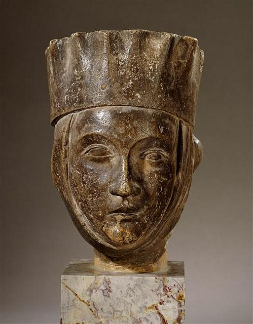 13th century head of a woman  Champagne, France