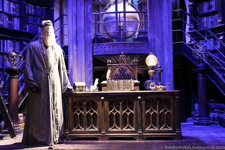 London S Harry Potter Museum Offers Behind The Scenes Peek Harry Potter Museum Harry Potter Studio Tour Harry Potter Studios