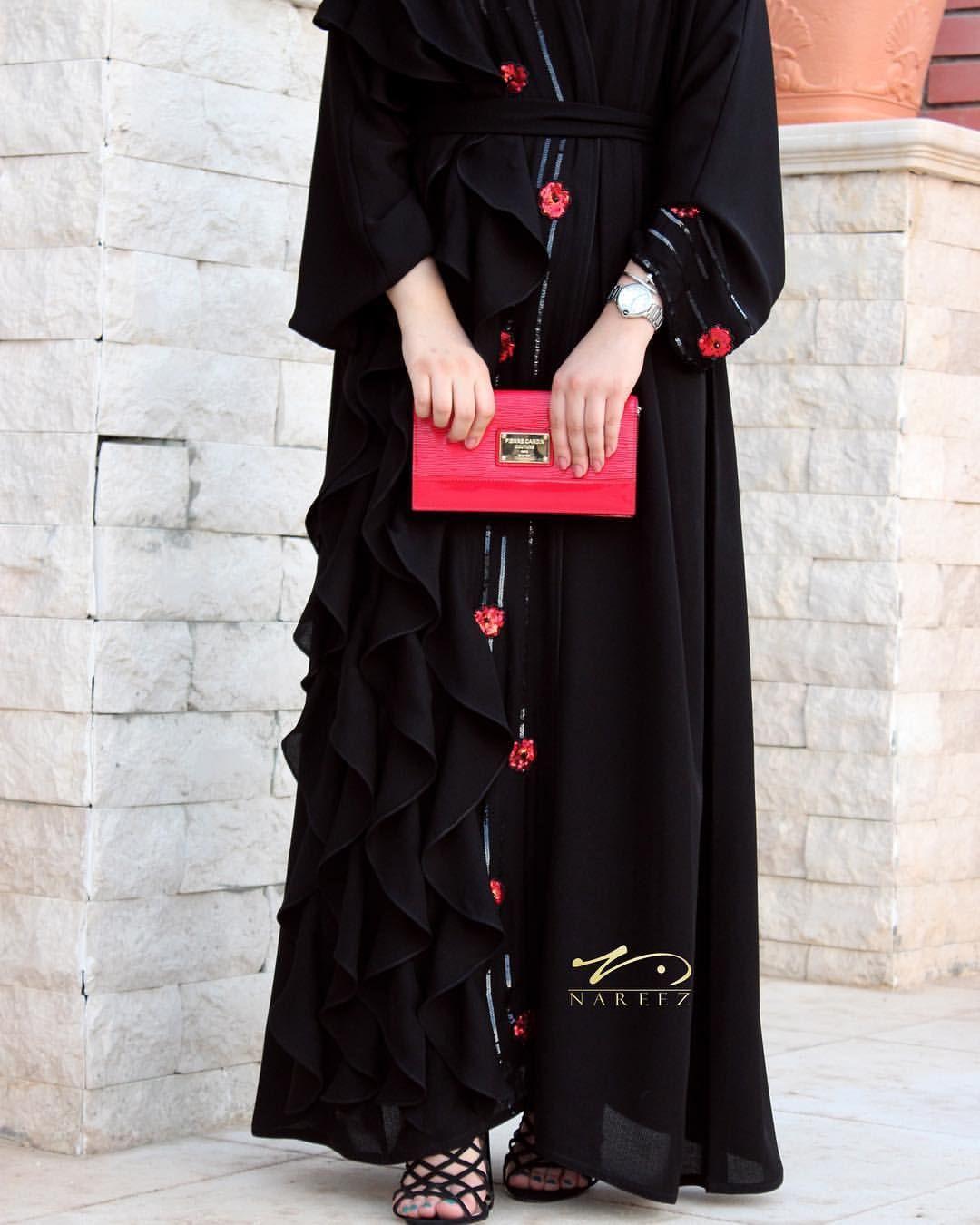 141813b3e Muslimah Clothing, Moslem Fashion, Black Abaya, Abaya Designs, Grey Outfit,  Islamic