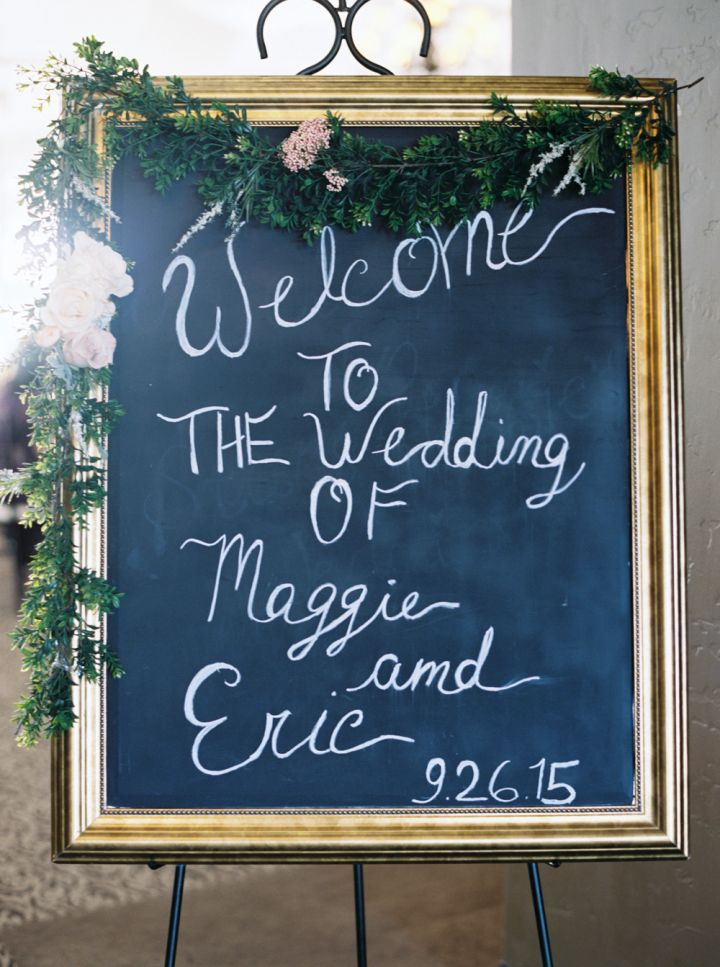 Wedding sign | fabmood.com #wedding #weddingideas