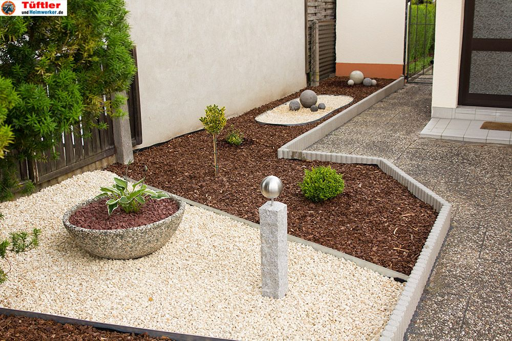 Mit ein paar einfachen Gartendeko-Elementen, wie einer Granitsäule - gartendeko selber machen beton