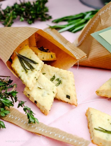 Geschenke aus der Küche Parmesan Kräuter Cracker Cute Wedding - geschenke für die küche