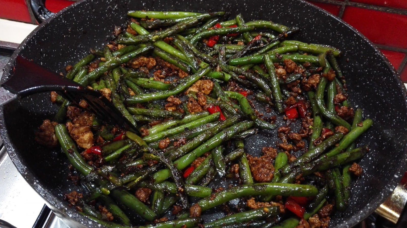 Pat's Kitchen Journal: Dry- fried Green Beans with Minced Pork