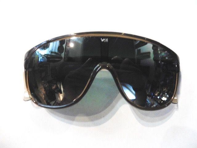 Lunettes solaires retro-vintage coloris noir,UV 400 neuves modèle aviateur