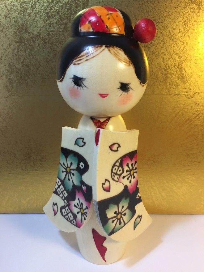 Kokeshi dolls sakurakomachi originale dal giappone in for Arredamento originale casa