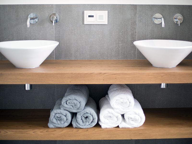 Badkamer Utrecht / badkamershowroom De Eerste Kamer | Small bathroom ...