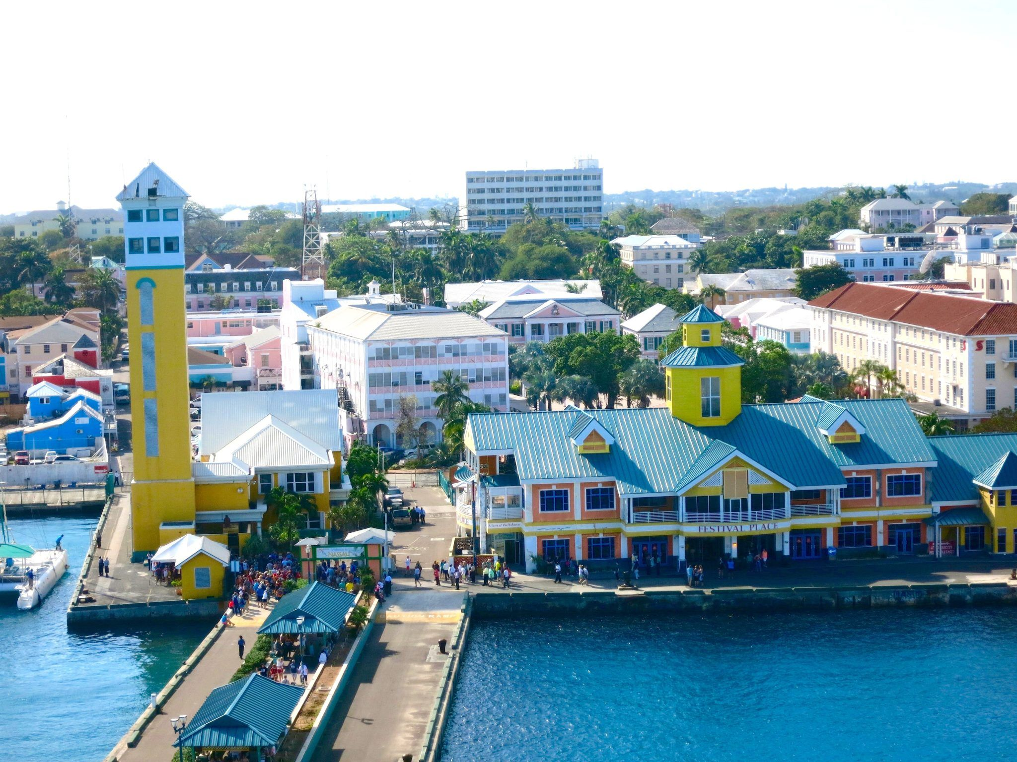 Nassau Bahamas Cruise Port is fun on any budget. Learn of a free entrance beach within walking distance from the cruise port and other tips of things to do in Nassau Bahamas on a budget. Plan ahead with this guide to Nassau Bahamas cruise port.