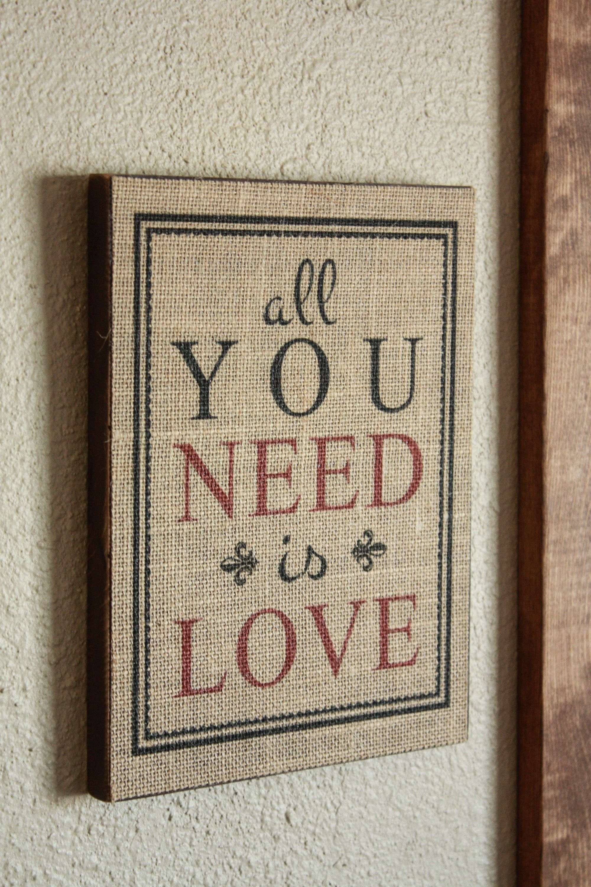 Pottery Barn Inspired Burlap Print for Valentine's Day! FREE Printable Included!