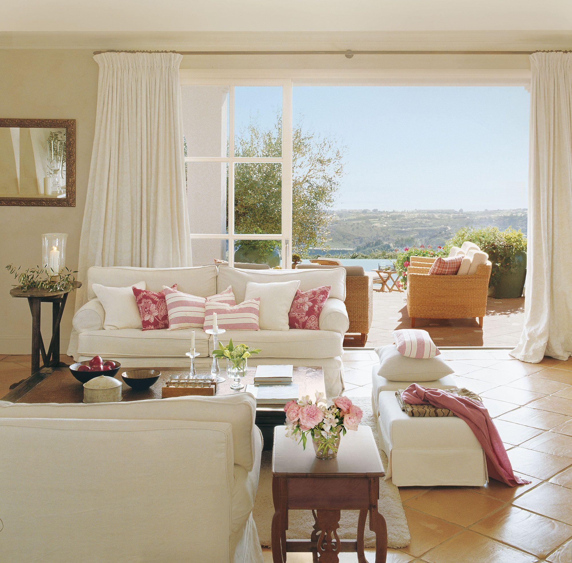 Sal N En Blanco Y Fresa Con Suelo De Terrazo Y Salida A La Terraza  # Muebles Mio Suecos