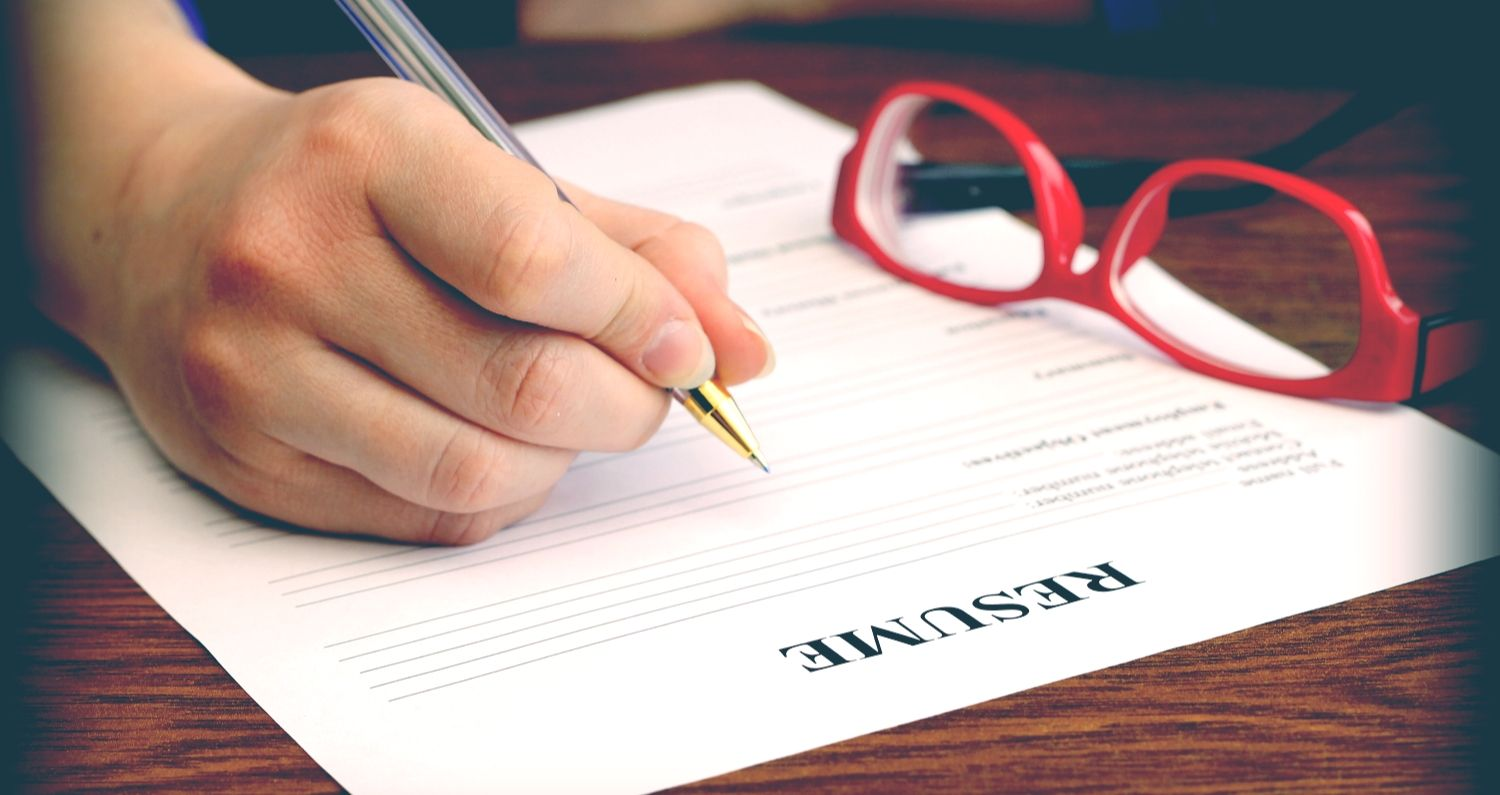 How Long Should Your Resume Be? professionalwomen
