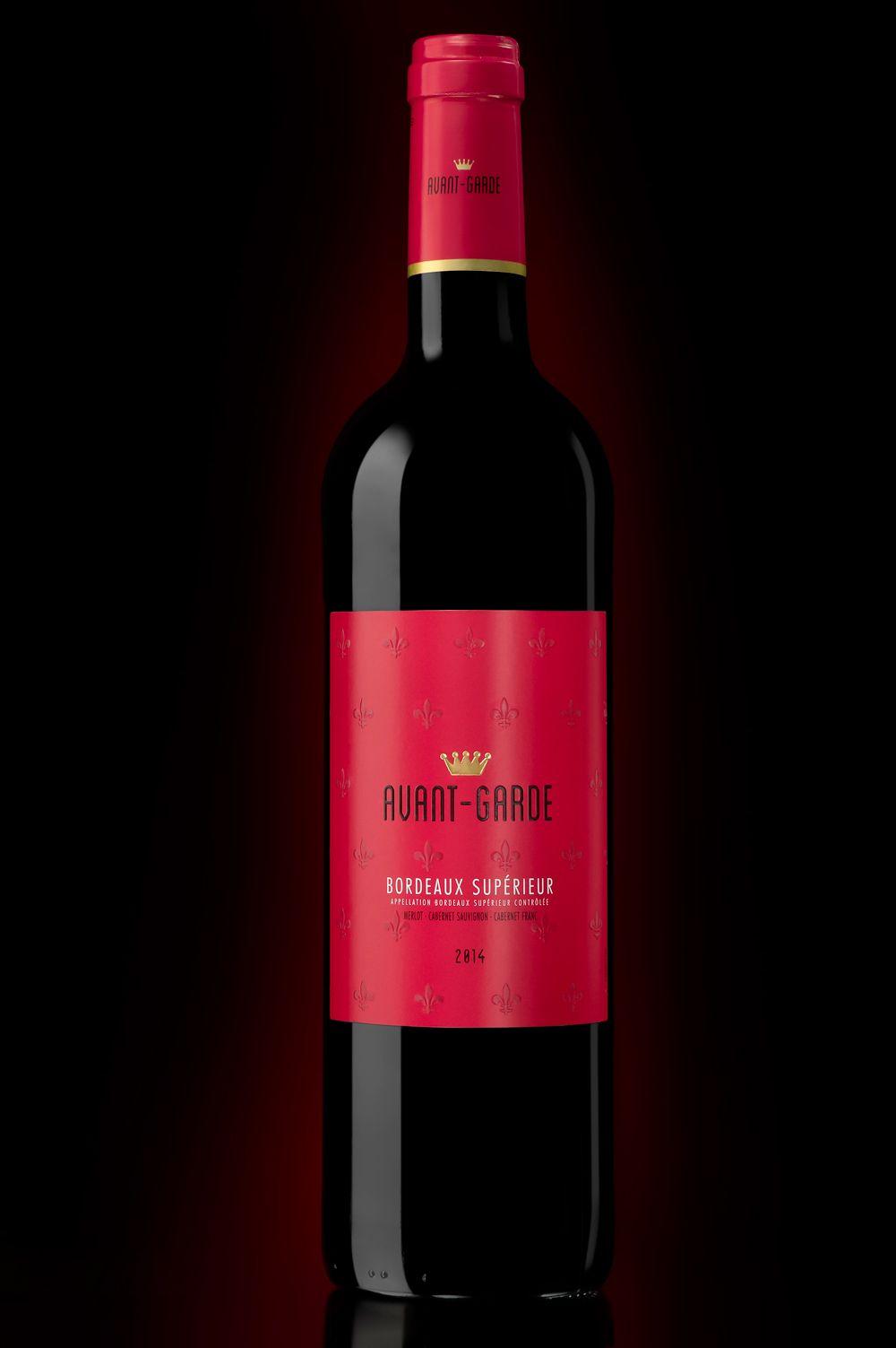 Vins De Bordeaux Avant Garde Roche D Arjac Val D Orbieu Vinadeis Packaging Design By Lineadesigners Vins Et Spiritueux Vin Bordeaux Vins