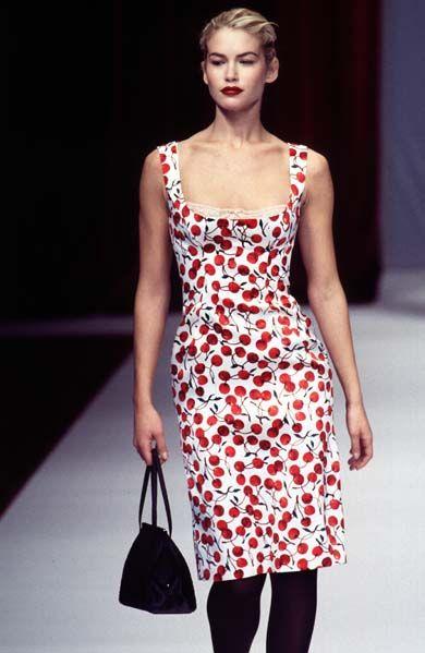 4ec8c26e Valeria Mazza in Dolce & Gabbana, Fall 1996 | Red in 2019 | Fashion ...