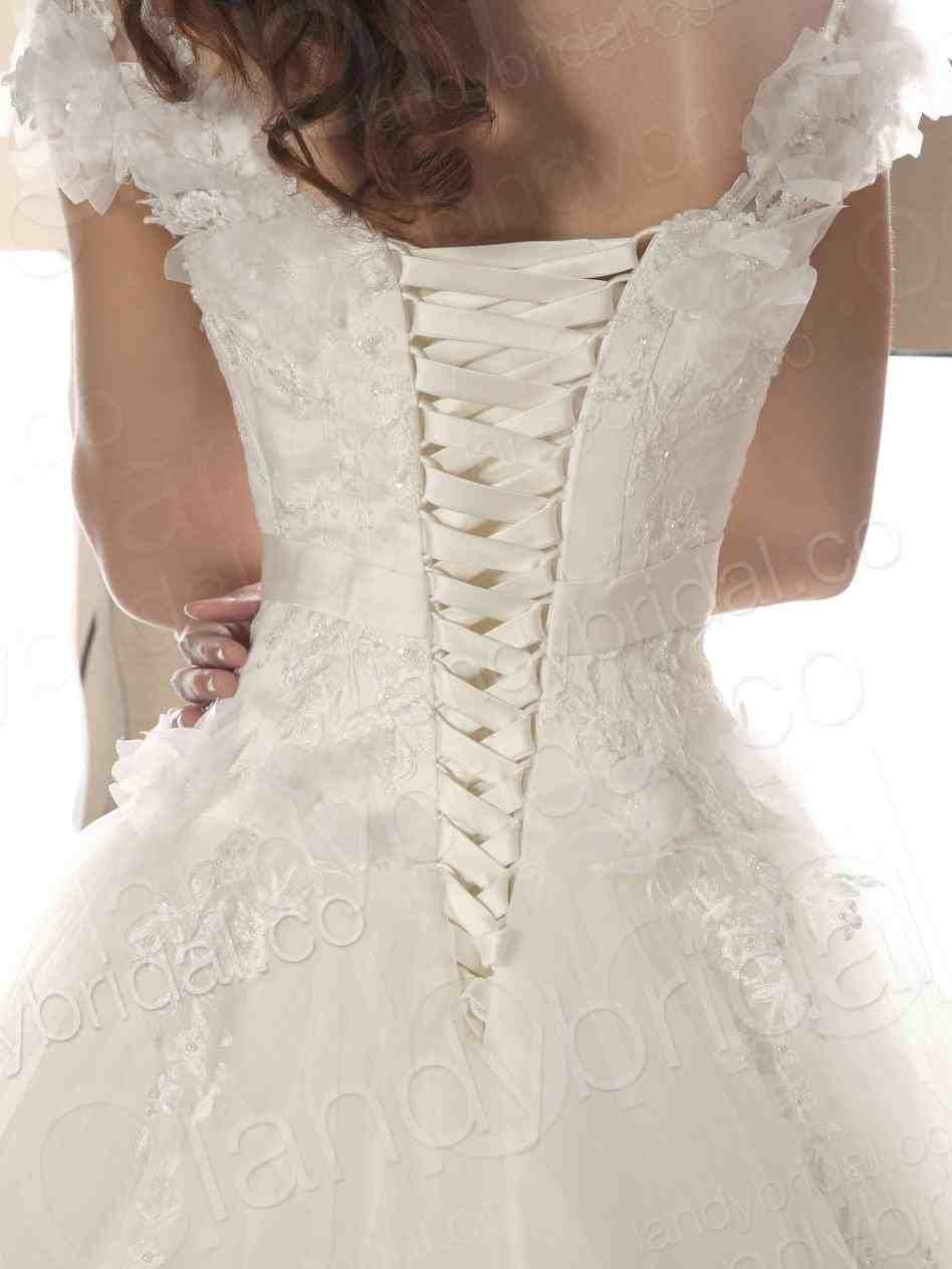 Wedding Dresses With Lace Up Back Weddings Wedding Dresses