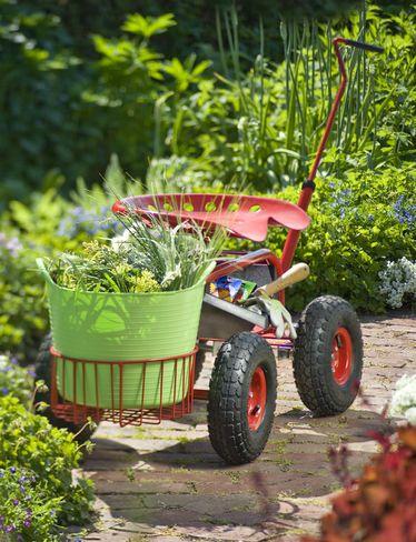 Garden Scoot   Rolling Garden Seat