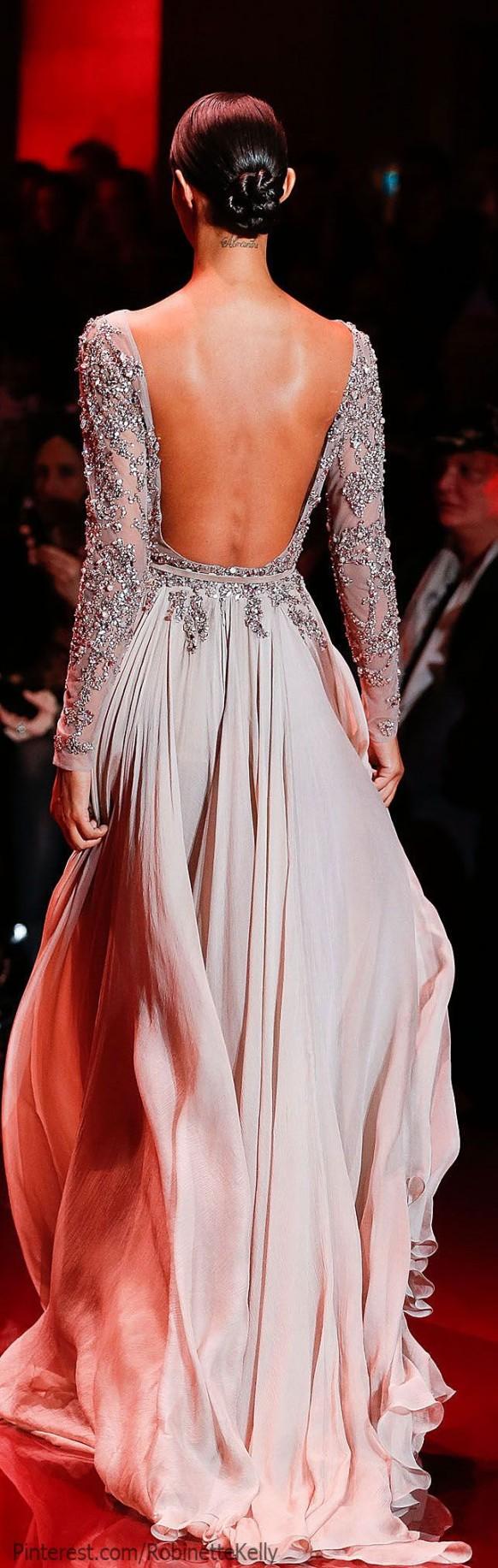 Vestido gris perla con gran escote en la espalda - Elie Saab Alta Costura
