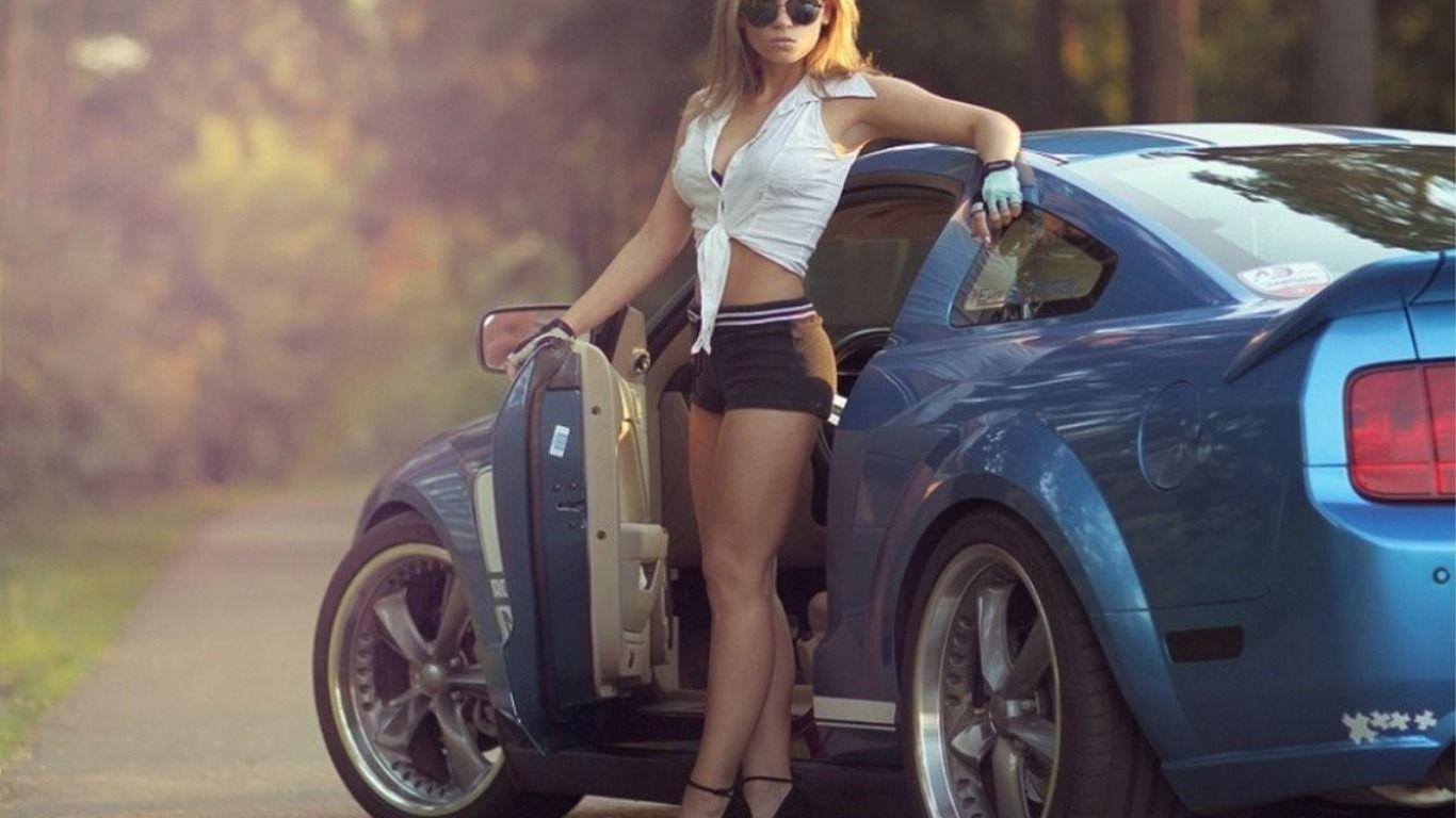 Skachat Oboi Ochki Devushki Krasivaya Devushka Avto Ford Mustang