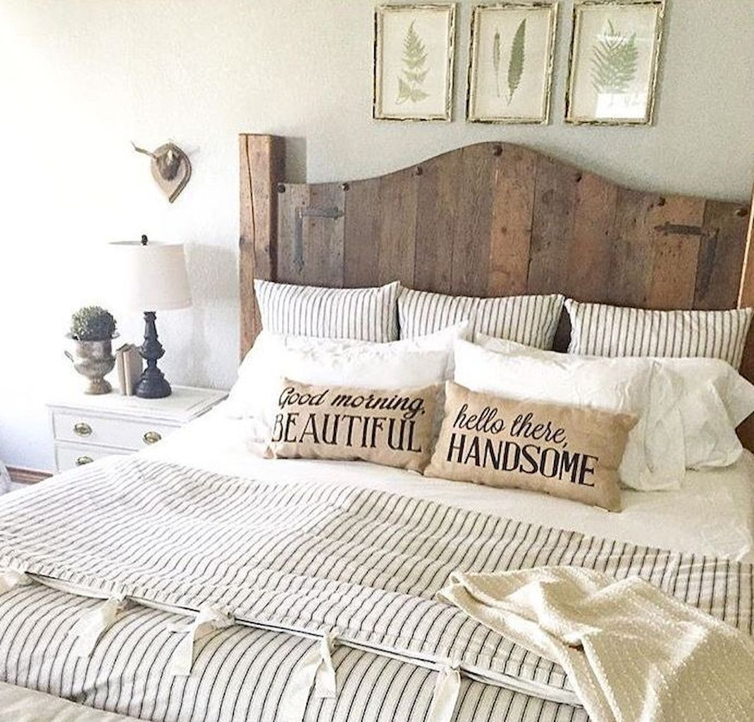 Awesome Farmhouse Master Bedroom Decorating Ideas (7